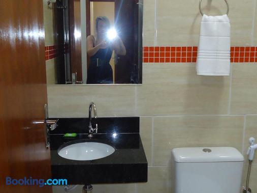 Hotel MM - Núcleo Bandeirante - Bathroom