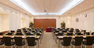Holiday Inn Moscow - Sokolniki - Moscou - Salle de réunion
