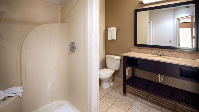 Best Western Suites - Columbus - Phòng tắm