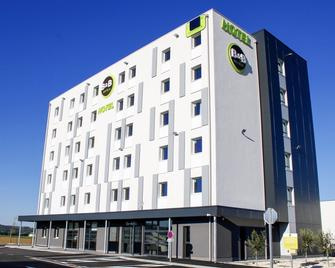 B&B Hôtel Montélimar Sud - Montélimar - Edificio