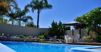 Palms Bed & Breakfast - Perth - Piscina