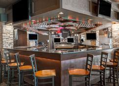 Baymont by Wyndham Bartonsville Poconos - Bartonsville - Bar