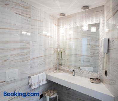 Hotel Vittorio - Desenzano del Garda - Bathroom