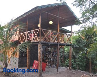 Mucumbli Hotel - São Tomé - Building