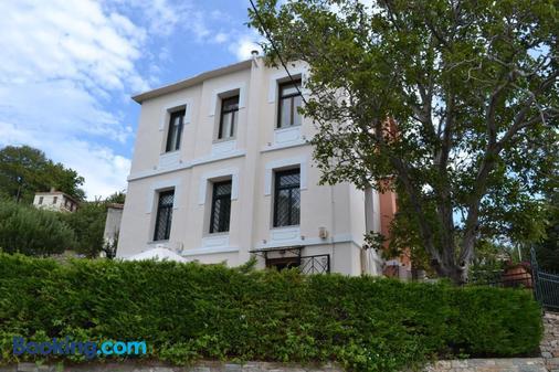 Vogiatzopoulou Guesthouse - Agios Georgios Nileias - Building