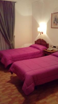 伊琳娜瑪麗亞酒店 - 格拉納達 - 臥室