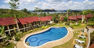 Asia Grand View Hotel - קורון - בריכה