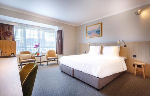 Carlton Hotel - Ghent - Bedroom