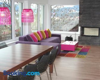 Glücksthaler - Aich - Living room