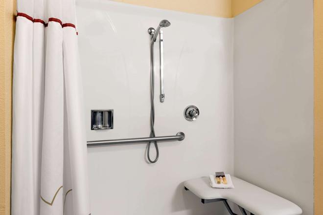 溫德姆蘭喬科爾多瓦/福爾瑟姆山楂套房酒店 - 哥多伐農場 - 蘭喬科爾多瓦 - 浴室