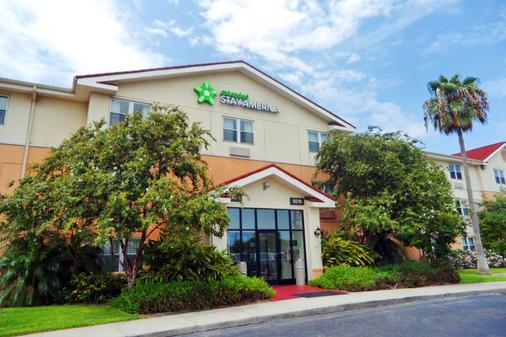 Extended Stay America - Corpus Christi - Staples - Corpus Christi - Building
