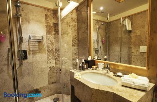 Cristal Palace Hotel - Madonna di Campiglio - Bathroom