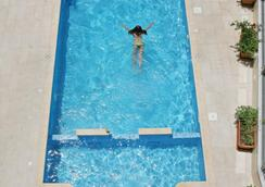 Saint Elena Boutique Hotel - Larnaca - Pool
