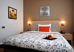 In Hotel Belgrade - Belgrad - Schlafzimmer