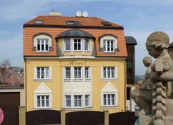 Hotel Garni Rambousek - Praga - Edificio