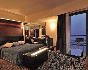 Club Hotel Casino Loutraki - Loutraki - Спальня