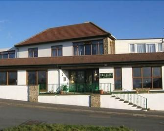 The Cliff Hotel - Bude - Building