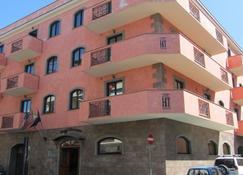 Hotel Traiano - Civitavecchia - Rakennus