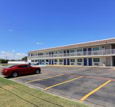 Motel 6 Corpus Christi East - North Padre Island
