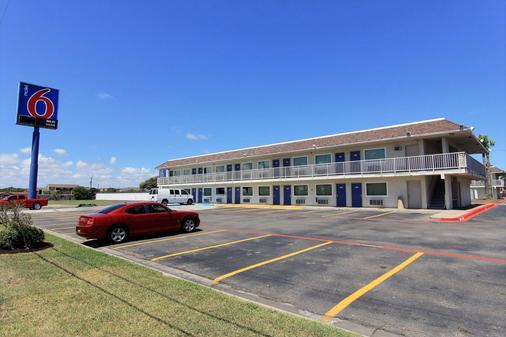 Motel 6 Corpus Christi East - North Padre Island - Corpus Christi - Toà nhà