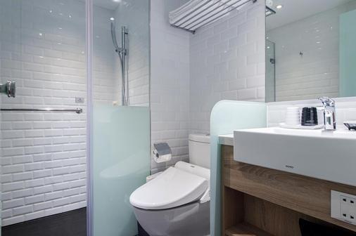 Hotel Relax III - Taipei - Bathroom