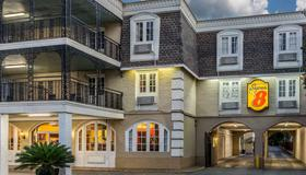 Super 8 by Wyndham New Orleans - New Orleans - Bygning