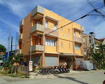 N & F Guest House - Bantayan - Gebäude
