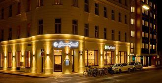 H+ Hotel Wien - Vienna - Building