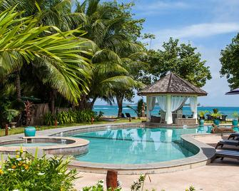 Castello Beach Hotel - Grand'Anse Praslin - Piscina