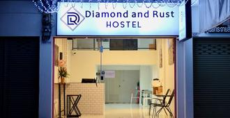 Diamond & Rust Hostel - Bangkok