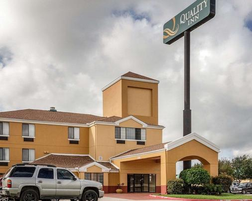 Quality Inn - Baytown - Building