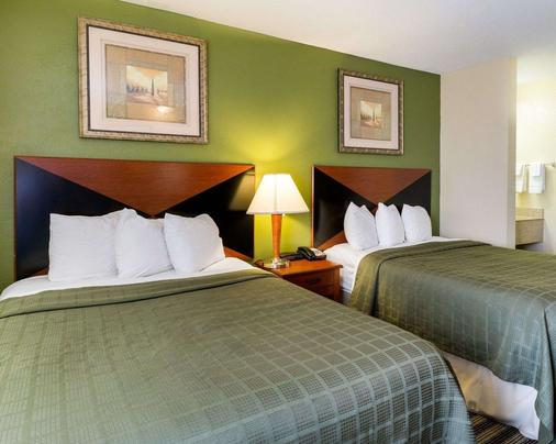 Quality Inn - Baytown - Bedroom
