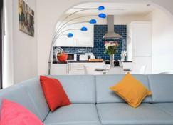 Live in Leeds Grange Apartments - Leeds - Living room