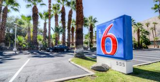 Motel 6 Palm Springs, Ca - East - Palm Canyon - Palm Springs - Outdoor view