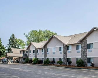 Quality Inn & Suites - Sturgeon Bay - Gebäude