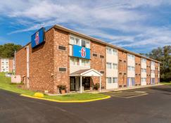 Motel 6 New Stanton, Pa - New Stanton - Building