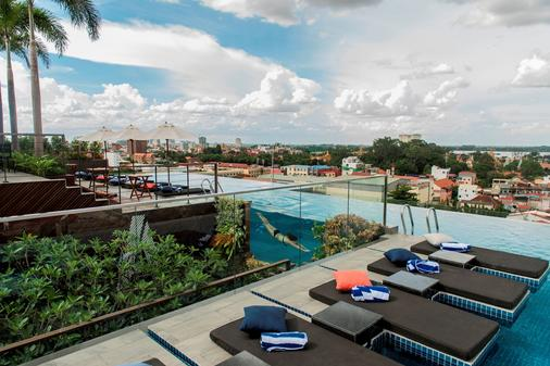 Aquarius Hotel & Urban Resort Phnom Penh - Phnom Penh - Pool