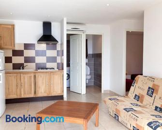 Le Thyreneen - Solenzara - Living room