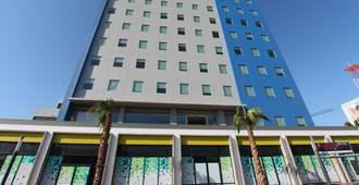 One La Paz - La Paz - Building