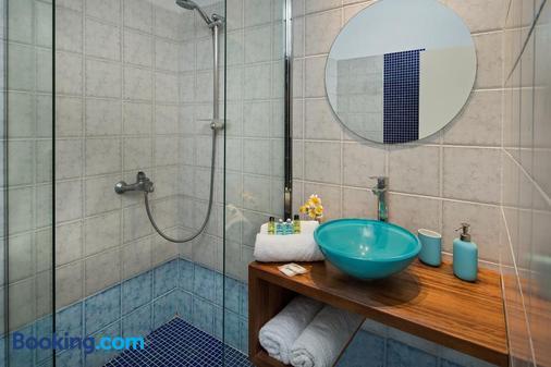 Afrodete Hotel - Firostefani - Bathroom