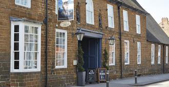 Saracens Head Towcester By Greene King Inns - Towcester - Gebäude