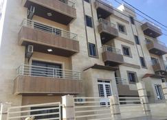 Koura Nakhla Apartment - Al Qalamoun - Byggnad