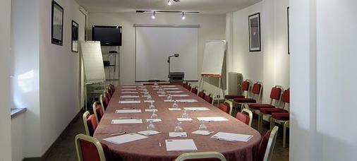 Kyriad Rodez - Rodez - Meetingraum