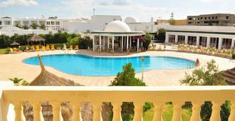 Zodiac Hotel - חמאמט - בריכה