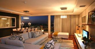 水晶塔住宅飯店 - 開普敦 - 客廳