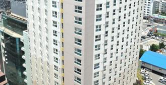 Hotel The Mark Haeundae - Busan - Building