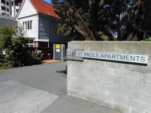 Stay at St Pauls - Wellington - Building
