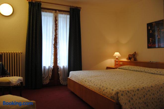 Hotel Del Viale - Courmayeur - Bedroom