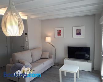 Apartamentos Turisticos - Papel Armado - Calle Caldereros 33 - Tudela - Wohnzimmer