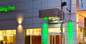 Holiday Inn Manhattan-Financial District - Нью-Йорк - Здание